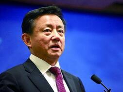 樊纲在博鳌论坛反问开发商:嫌地贵,你嫌高可以不拍