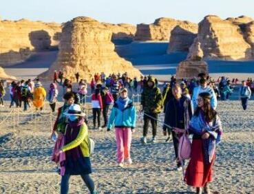 出境游为何火热:中国游客成为全球移动的钱包?