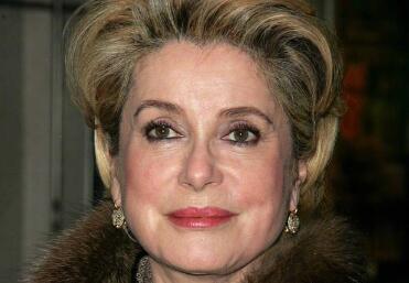 法国影坛第一夫人凯瑟琳·德纳芙等齐发声 批好莱坞反性骚扰活动
