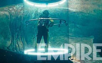 《巨齿鲨》发布两款日版预告  中国内地同步北美8月10日上映