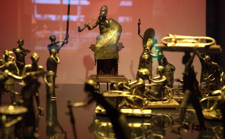 法国决定向西非国家贝宁归还26件文物