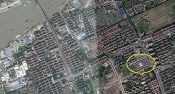 上海黄浦江江面上方出现首条轨道交通线