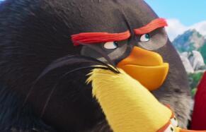 """电影《愤怒的小鸟2》猪鸟""""合体""""欢乐尬舞"""