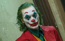 《小丑》引枪击案死者家属担忧 片方:非宣传暴力