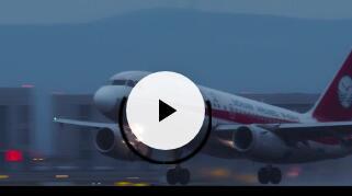 《中国机长》票房突破21亿 胡夏献唱电影插曲
