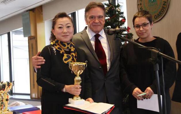 驻塞尔维亚使馆获2019年塞尔维亚旅游合作冠军奖杯